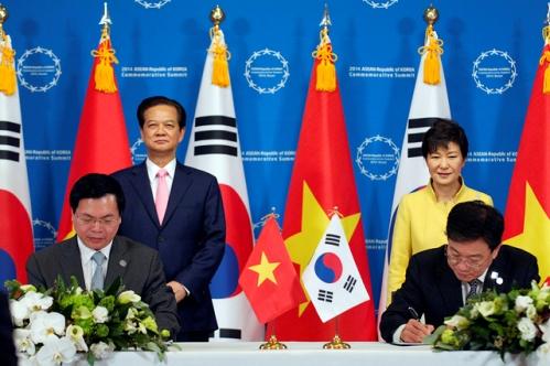 Hiệp định Thương mại tự do Việt Nam - Hàn Quốc (VKFTA) bắt đầu có hiệu lực từ ngày 20/12/2015. Ảnh: Nguồn Internet