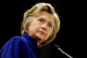 Bà Clinton đang dẫn trước ông Donald Trump