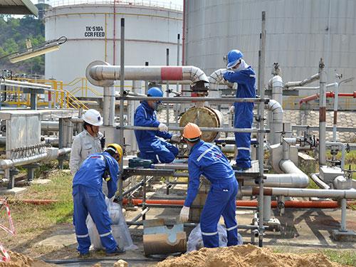 Nhà máy Lọc dầu Dung Quất - Ảnh: Tử Trực