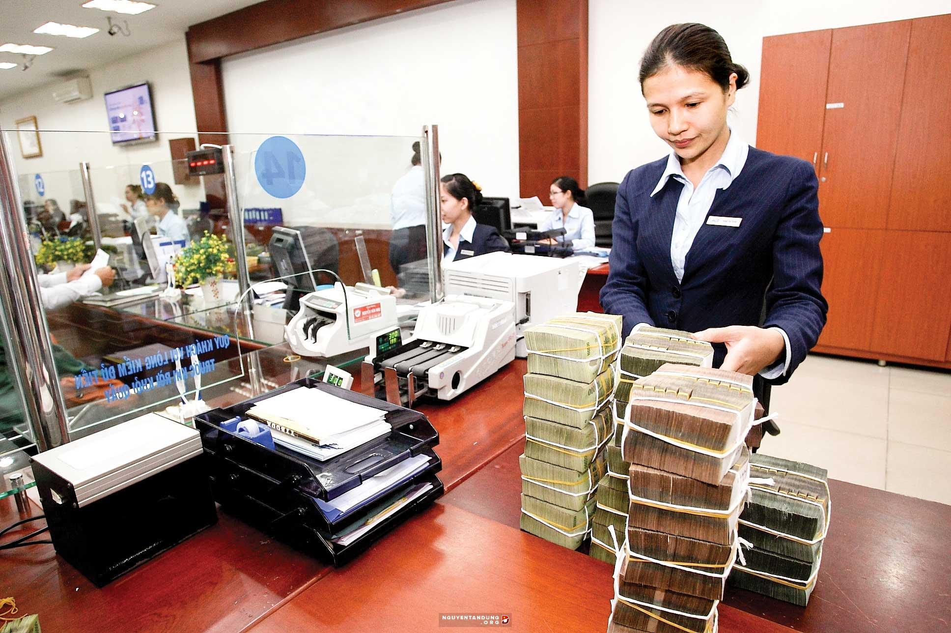 Thu nhập ngoài lãi các ngân hàng tăng mạnh
