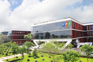 Cập nhật cổ phiếu FPT - Giá trị hợp đồng CNTT ký mới tăng trưởng mạnh mẽ